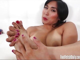 Mia Li Radical Fetish..